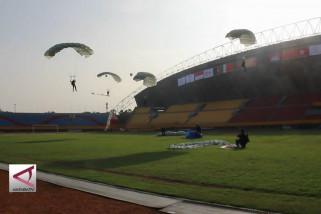Aksi dirgantara semarakan Pawai obor Asian Games  di Palembang