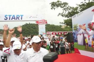 Ribuan warga jayapura ikuti jalan sehat BUMN