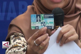 Bandung Smart Card permudah masyarakat bertransaksi keuangan