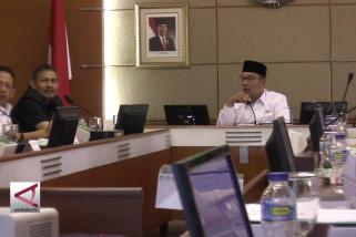 Gubernur Jabar ingin masjid terapung selesai 2020