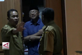 KPK geledah kantor dan rumah dinas bupati Malang
