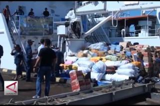 35 ton bantuan logistik untuk Palu disalurkan dari laut