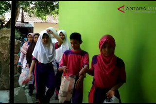 """Video - Siswa SLB Kudus sedekah """"sampah"""" untuk korban gempa Palu"""