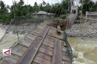 Gubernur Sumbar minta pengawasan hulu sungai