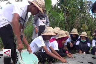 Pelajar Jatim berguru pertanian ke Bali