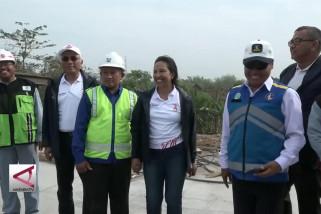Menteri Rini banggakan Tol Trans Jawa