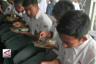 Bayar makanan sesuai kemampuan di kantin keikhlasan
