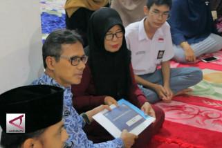 Penyerahan uang santunan korban lion air di Padang