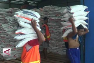 Bulog tingkatkan distribusi beras
