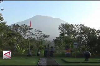 Gunung Agung Erupsi, hujan abu landa Karangasem