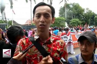 Warga Cirebon gelar aksi damai tolak hoax