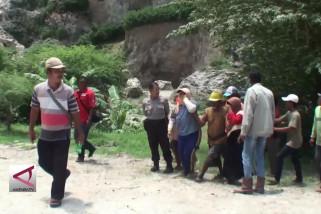 Longsor area tambang kapur, 1 orang diduga tertimbun
