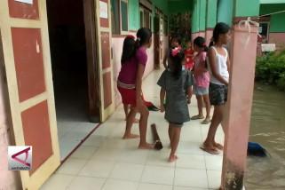 Banjir di Jember ganggu aktivitas sejumlah sekolah