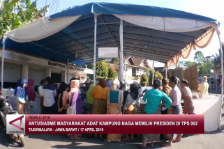 Antusiasme Masyarakat adat kampung Naga memilih Presiden di TPS 002