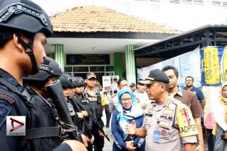 Polrestabes Surabaya tambah personel amankan rekapitulasi suara