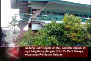 Video - Gedung SMP Pontianak Roboh