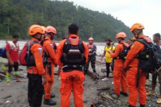 Operasi pencarian korban hanyut di Sungai Wariori Manokwari