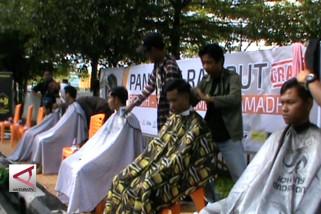 Pangkas rambut gratis sambut bulan suci Ramadhan