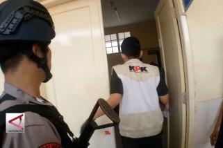 KPK geledah sejumlah kantor dinas di Tasikmalaya