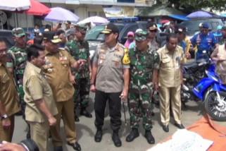 Gubernur Maluku sidak pasar pastikan harga sembako stabil