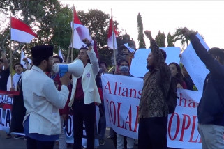 Kelompok mahasiswa Bali tolak people power