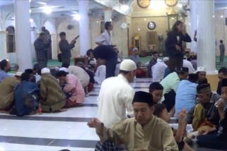 Umat muslim di Bali gelar tradisi megibung