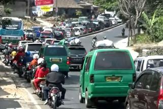 Waspada! 50 titik kemacetan bayangi jalur mudik di Jabar