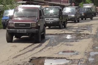 Jalan utama Kabupaten Karo menuju Aceh Tenggara diperlebar
