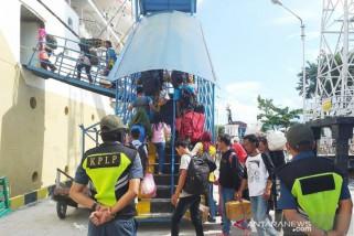 Antara TV - Penumpang kapal meningkat 100 persen jelang Lebaran