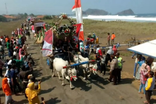Pawai pegon, lestarikan tradisi dan promosi wisata Jember