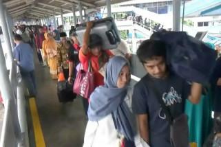Pemudik dari Sumatera mempercepat kembali ke Jawa