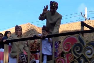 Presiden Jokowi dan Jan Ethes sapa warga Bali