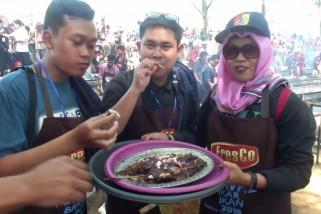 Angkat potensi kelautan melalui festival bakar ikan