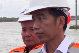 Jokowi : berikan waktu diselesaikan polisi