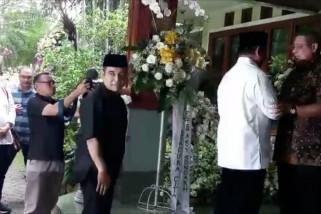 Prabowo kunjungi  keluarga SBY di Cikeas