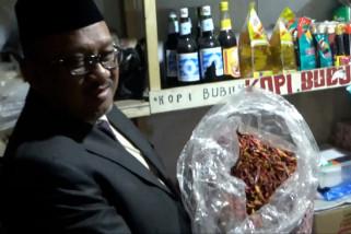Harga cabai lokal naik, pedagang sediakan cabai impor