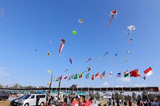 Tingkatkan kunjungan wisatawan melalui festival layang-layang