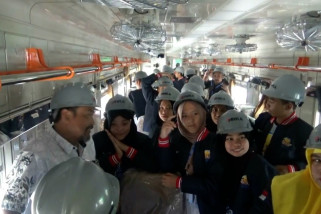 Siswa Gorontalo belajar pembuatan kereta di PT INKA