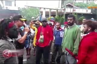 Kapolda Papua Barat temui massa demonstran di Manokwari