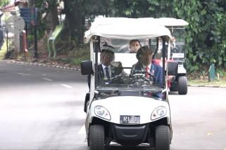 Presiden Jokowi ajak Raja Malaysia berkeliling Kebun Raya Bogor