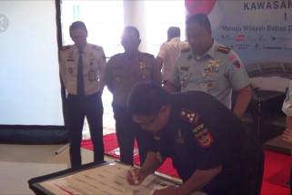 Komunitas Bandara Ngurah Rai deklarasi zona integritas