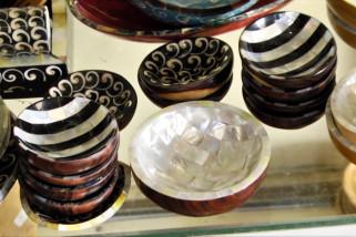 Usaha kerajinan kulit abalone beromset Rp30 juta per bulan