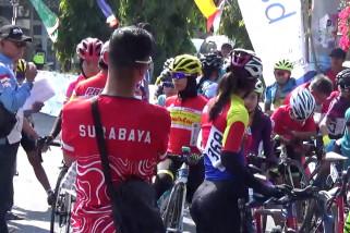 Ratusan pembalap sepeda meriahkan Tour de Linggarjati ke-5
