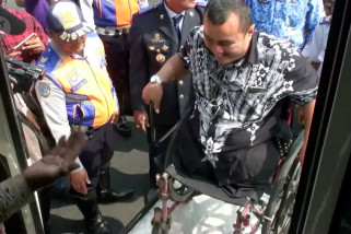 Kota Bandung kini punya bus ramah disabilitas