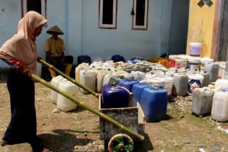 Warga Cirebon mulai kesulitan air bersih
