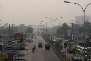 Kabut asap tebal selimuti Kota Pekanbaru
