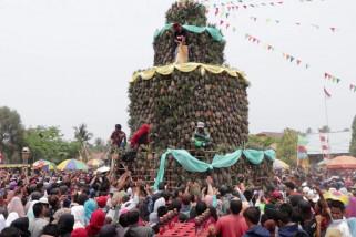 Panen meningkat, warga Mekarsari gelar festival nanas
