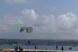 Penerjun TNI siap sambut Jokowi pada puncak Sail Nias