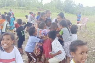 Hilangkan trauma anak-anak korban gempa, mahasiswa gelar permainan