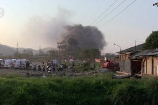 Kebakaran hebat akibat kebocoran pipa Pertamina di jalur KCIC